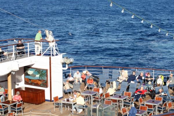 An Deck des Kreuzfahrtschiffs Astor