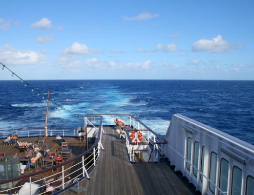 An Deck von Kreuzfahrtschiff MS Astor