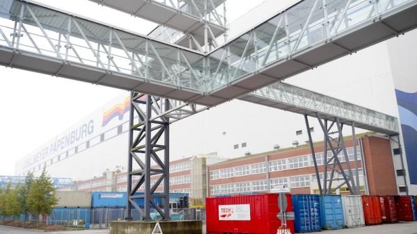 Skywalk führt zur Werftführung