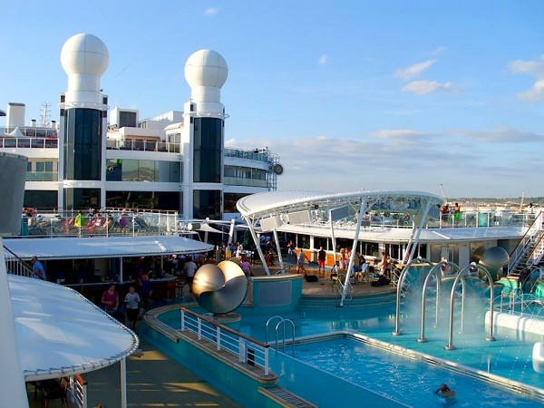 Pool der Norwegian Epic