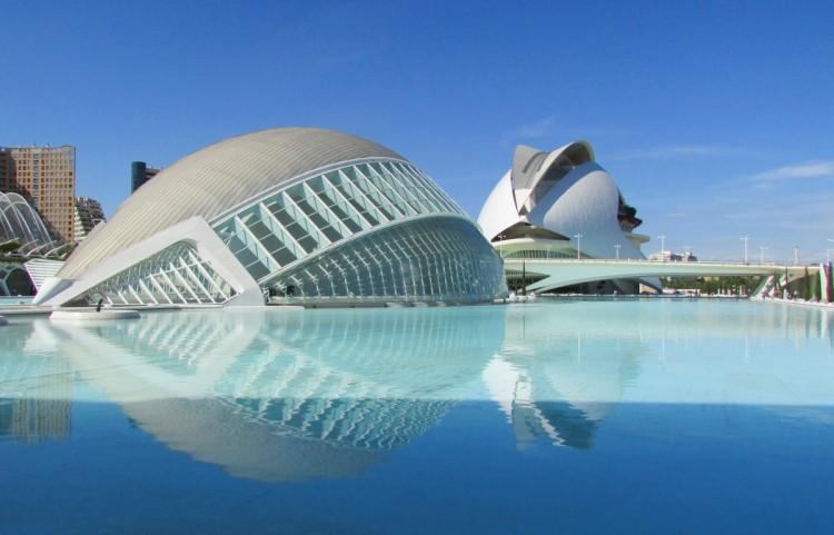 L'Hemisfèric und Palau de les Arts in der Stadt der Künste und Wissenschaften in Valencia