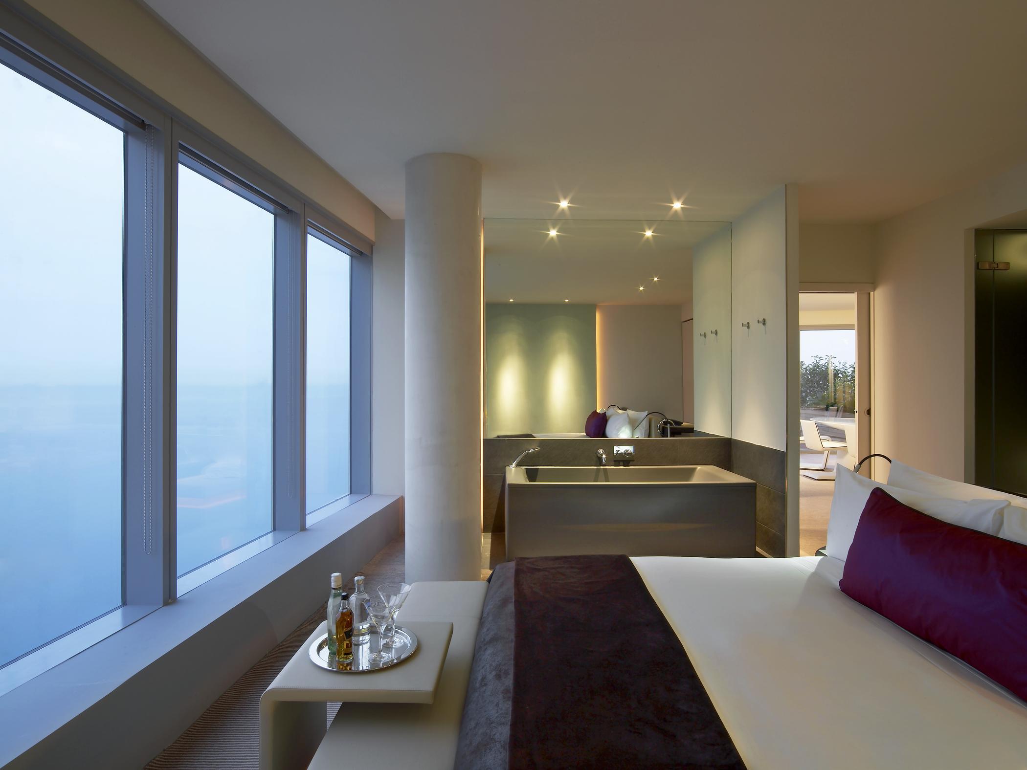 Das w hotel barcelona noble insel in der spanischen for Chambre fabulous w barcelone