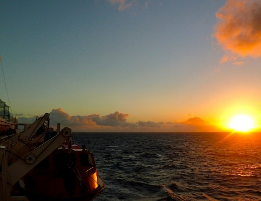 Herrliche Sonnenuntergänge auf dem Kreuzfahrtschiff