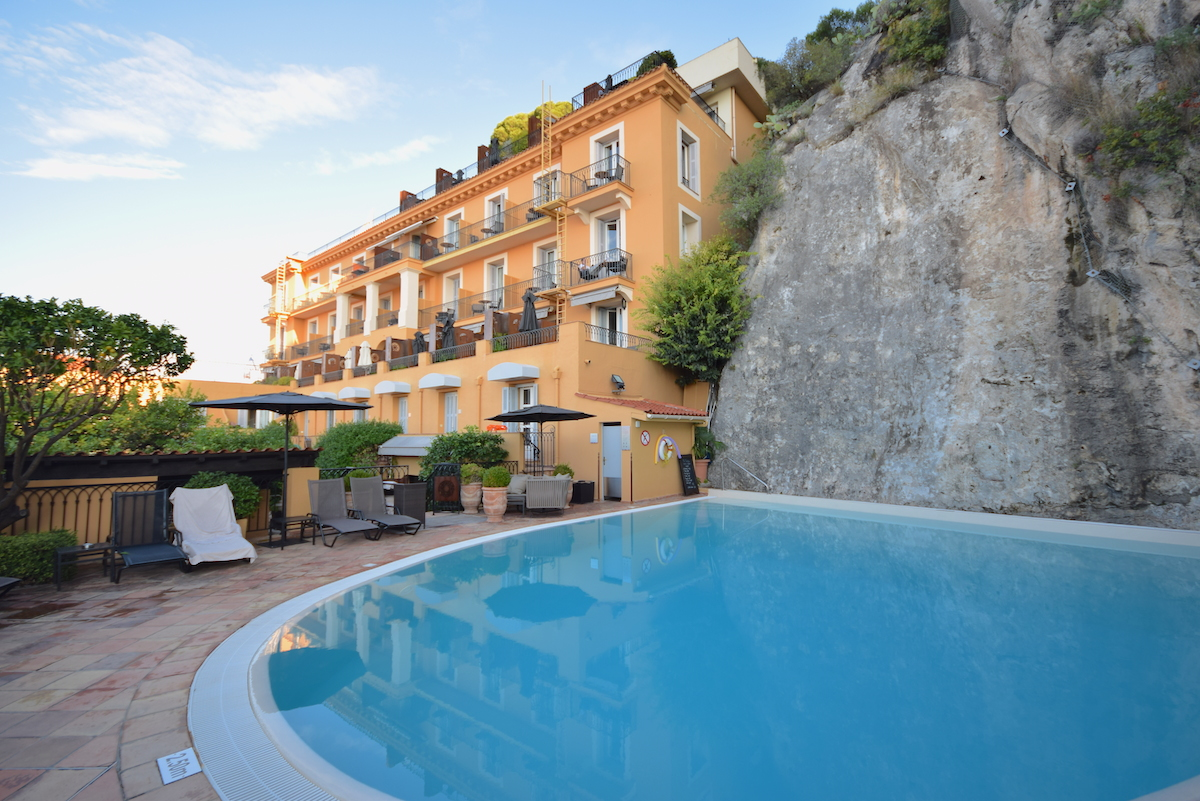 Hotel-La-Perouse-4