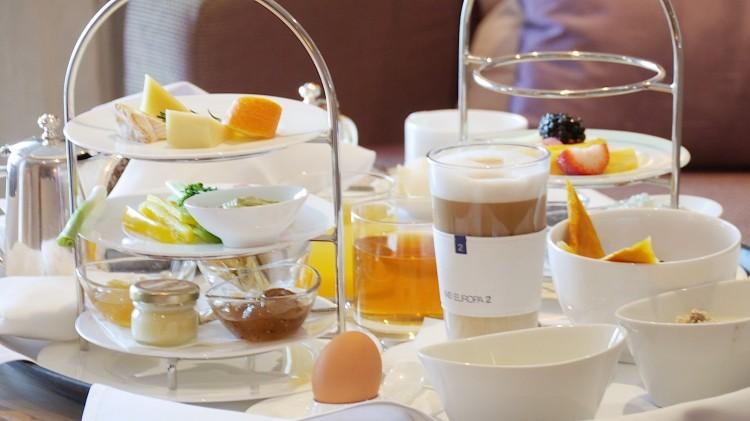 Frühstück auf den Kabinen auf MS Europa 2