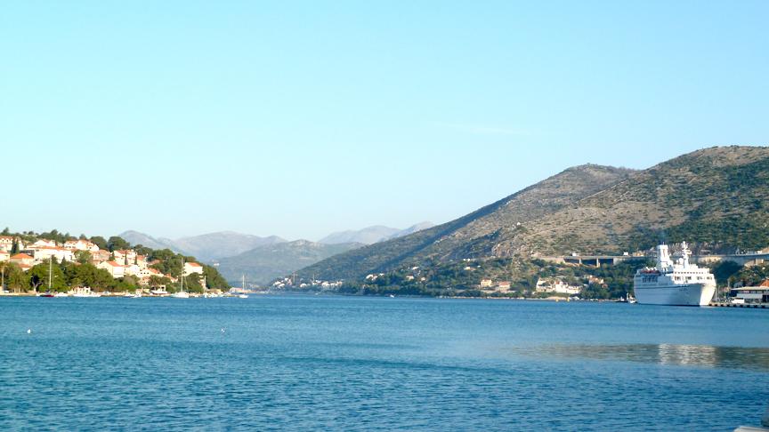 MS Astor im Hafen von Dubrovnik