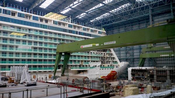 Norwegian Getaway im Dock in der Meyer Werft