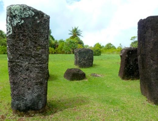 Steinmonolithen auf Palau