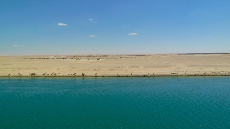Suez-Kanal-Passage_01